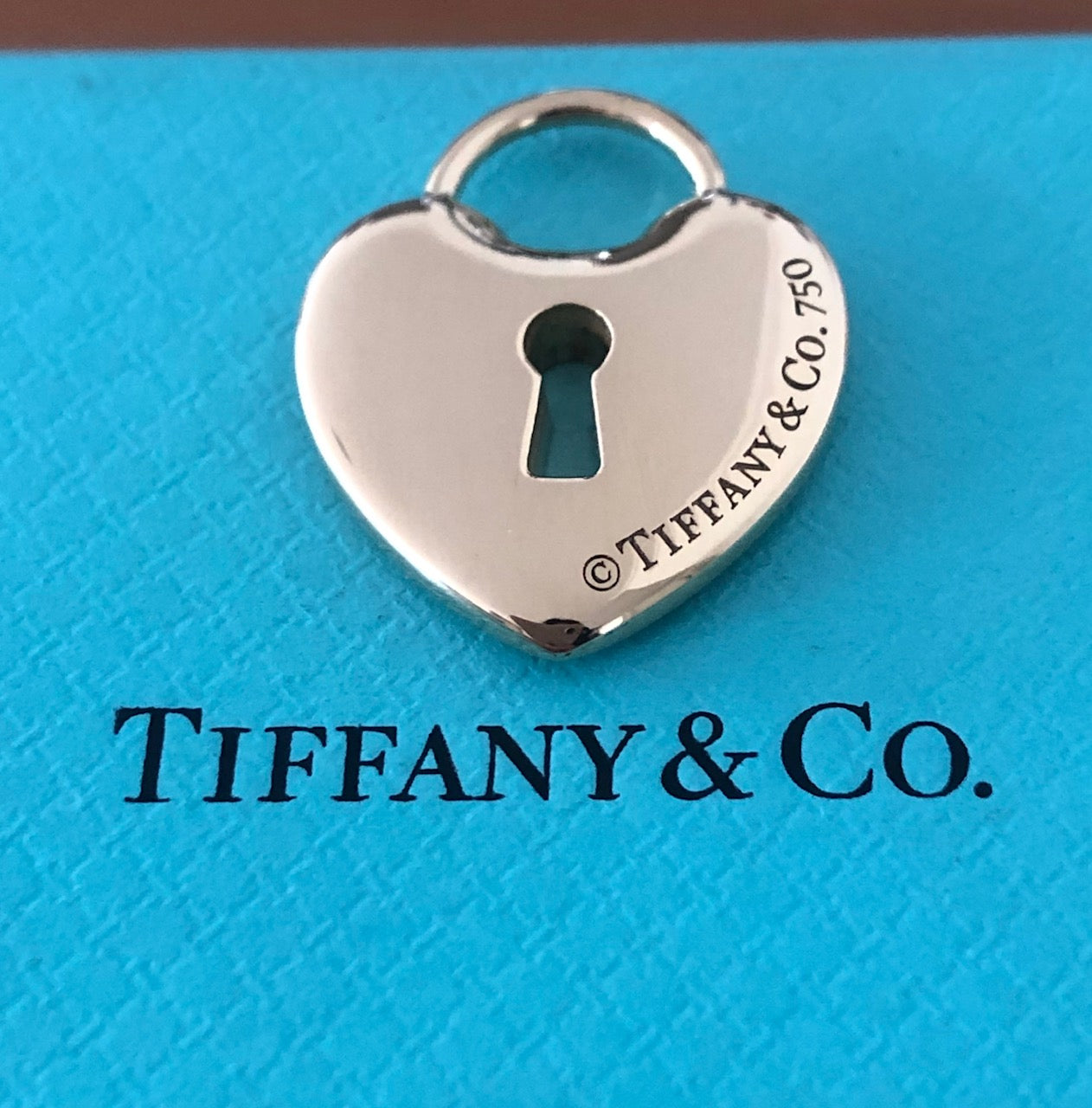 Tiffany & Co. Vintage 18ct Yellow Gold Large Heart Lock Pendant 24mm x 18mm
