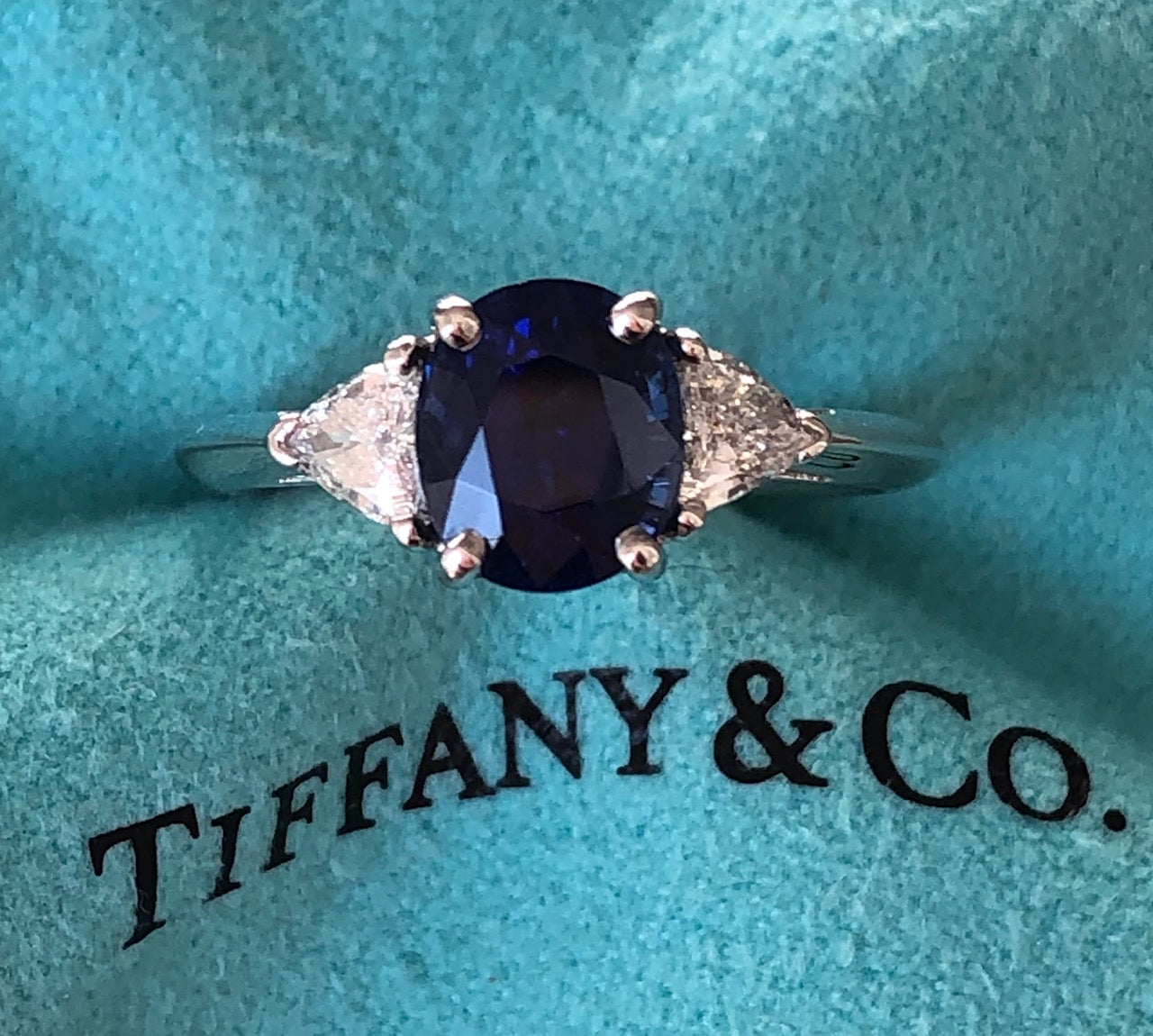 Tiffany & Co. 2.09ct Oval Sapphire & 0.33tcw Diamond Engagement Anniversary Ring