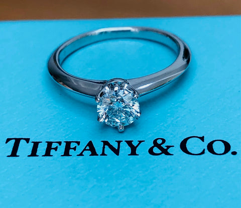 Tiffany & Co. Vintage circa 2000 0.42ct H/VS2 Diamond Round Brilliant Solitaire Ring PT950