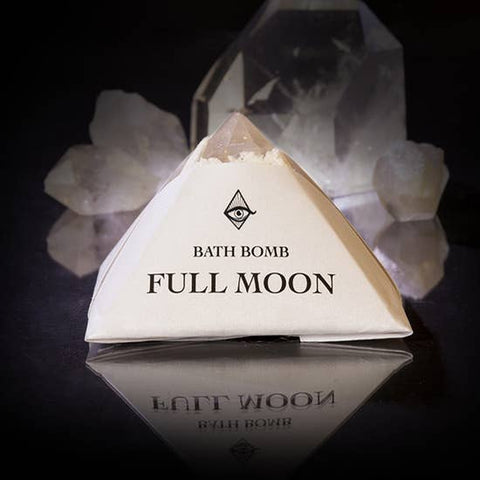 Full Moon Bath-bomb with Charged Crystal