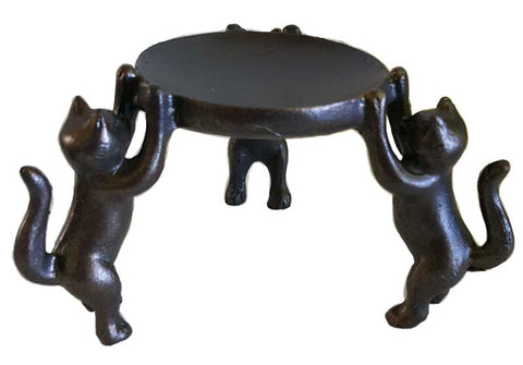 Three Cats candle holder
