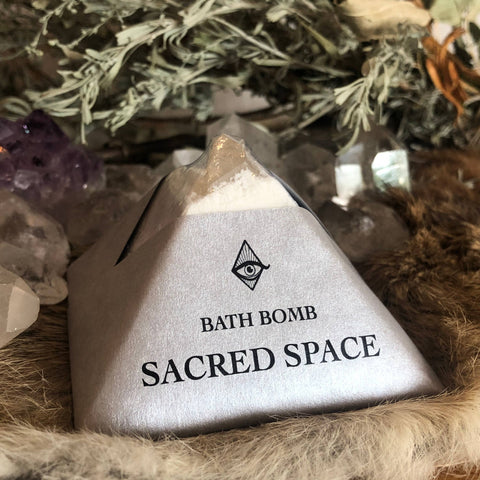 Sacred Space Bath-bomb with Charged Crystal