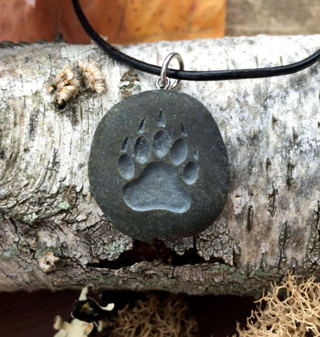 Bear Claw symbol of Courage, Power & Confidence - engraved Beach Stone Pendant - Totem spirit animal