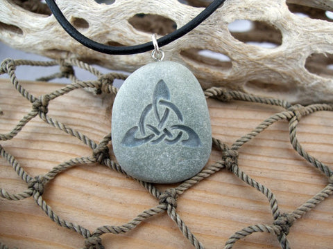 Triquetra Celtic Triple Knot engraved Beach Stone Pendant - Endless knot symbol of everlasting Unity - Cast a Stone