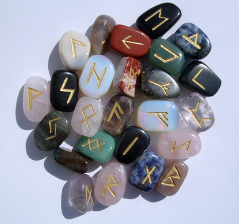 Mixed Runes Set - Cast a Stone