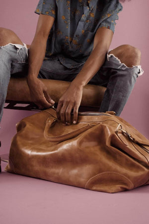 Load image into Gallery viewer, Guzzo Leather Duffle Bag - Walnut - UnoEth