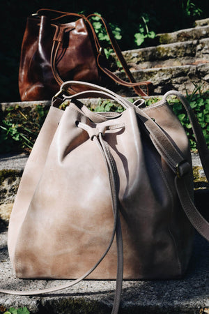 Konjo Leather Bucket Bag - Light Grey - UnoEth