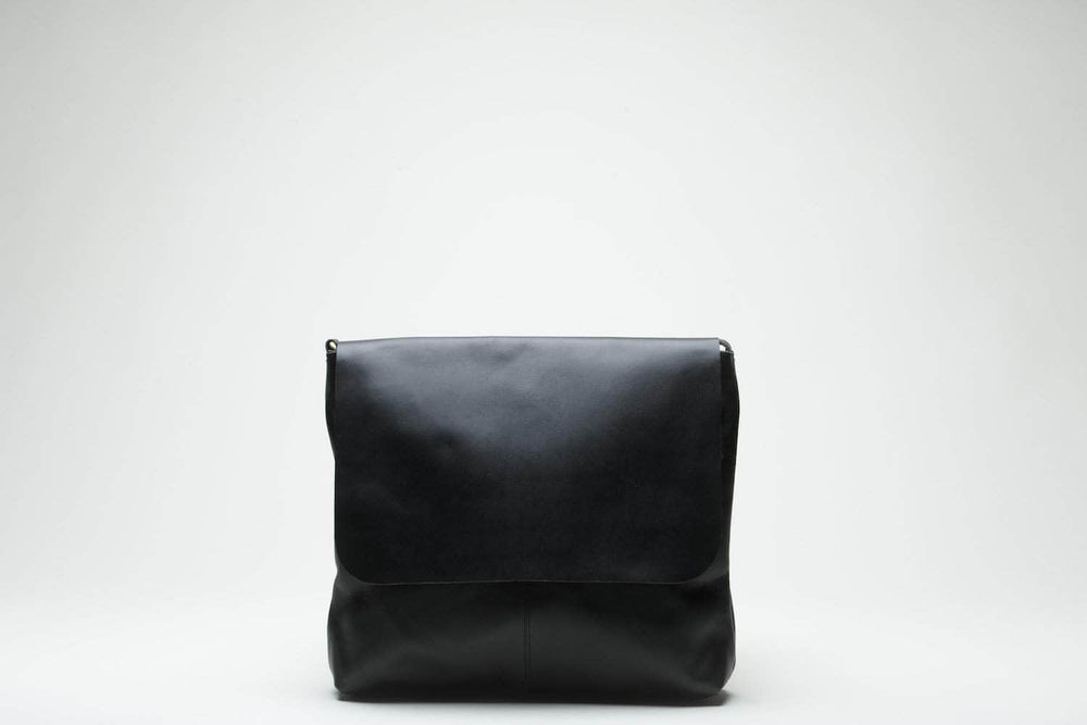 Telak Leather Messenger Bag - Black