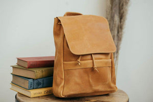 Mini Enku Leather Backpack - Walnut