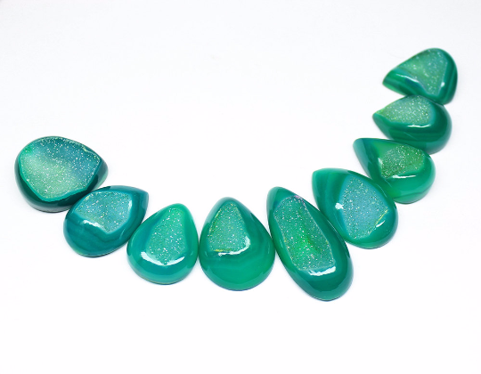 Beads, Green Druzy (coated), 23-37mm hand-polish Pear, A grade, Mohs hardness 7, Sold per 9 Gem SKU3001 - Jewels Exports