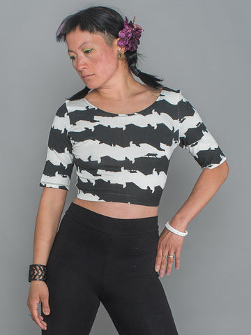 MAI CROP TOP Half Sleeve sporty Crop Top made from a blend of organic cotton, bamboo and elastane in cat stripe print