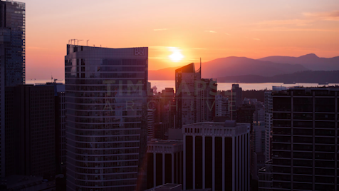 Time-lapse Vancouver: Sunset Behind Grouse Mountain