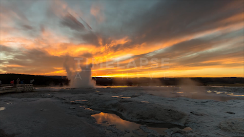 Time-lapse Yellowstone: Clepsydra Geyser Sunset