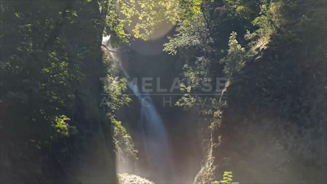 Time-lapse Oregon: Wahkeena Falls Tilt and Pan