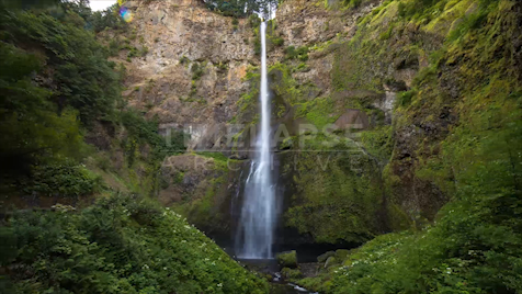 Time-lapse Oregon: Multnomah Falls Tracking