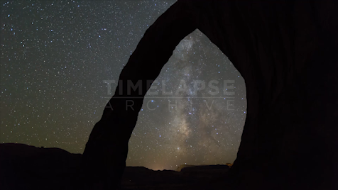 Time-lapse Utah: Corona Arch Night Sky