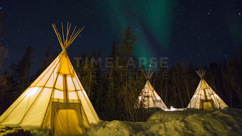 Time-lapse Northwest Territories: Aurora Three Tipis