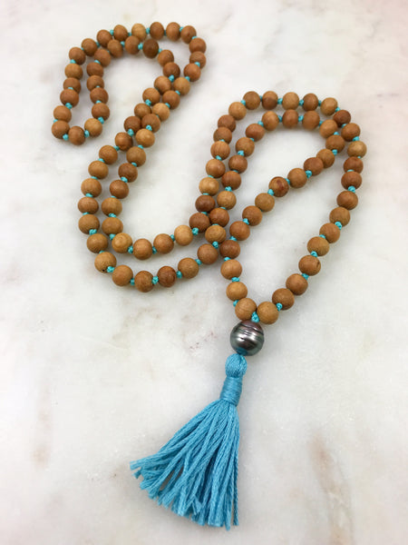 Sandalwood Mini Mala with Tahitian pearl