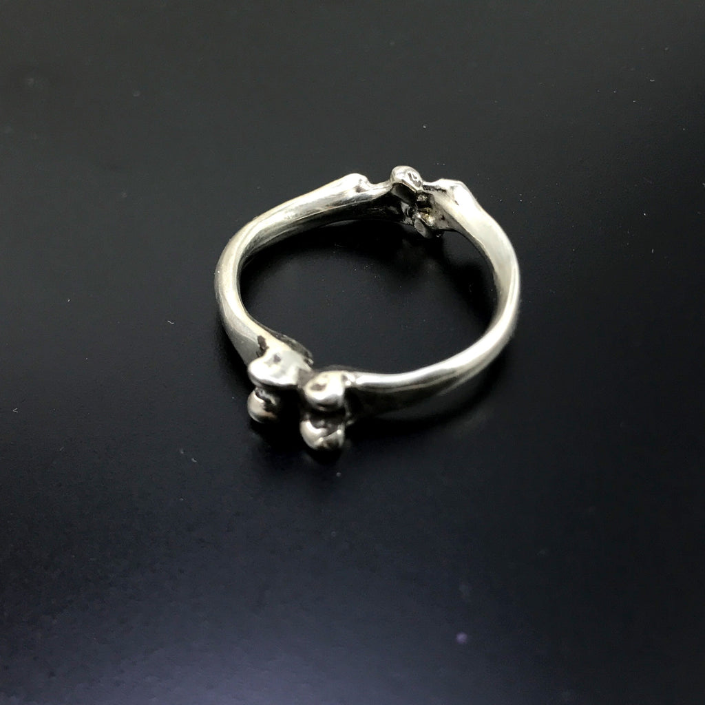 Bone Ring by Jola