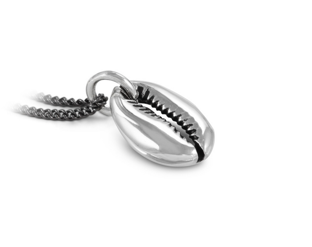 "Cowrie shell in ""antique silver"""