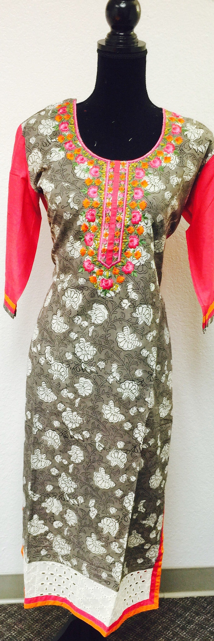 Fdn0146 A EMBROIDERED KURTA