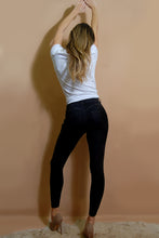 Load image into Gallery viewer, Denver Booty Shaper Jeans