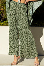 Load image into Gallery viewer, Avrille Floral Knit Pants