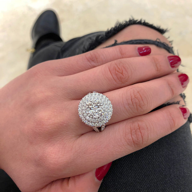 Circular Diamond Cluster Engagement Ring