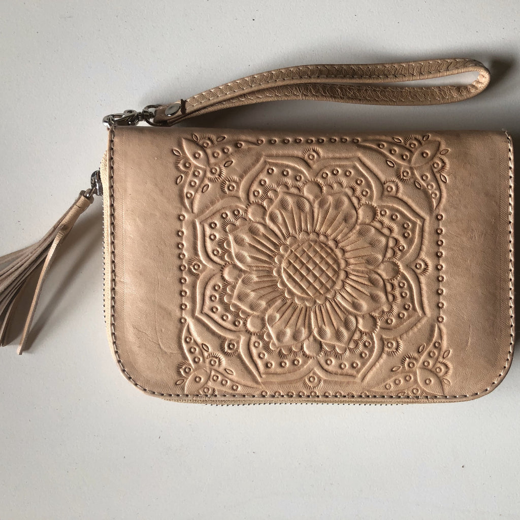 Moana Travel Wallet - Blush