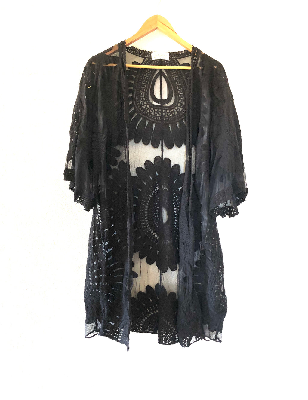 Without Boarders - Luxe Lace Kimono Black
