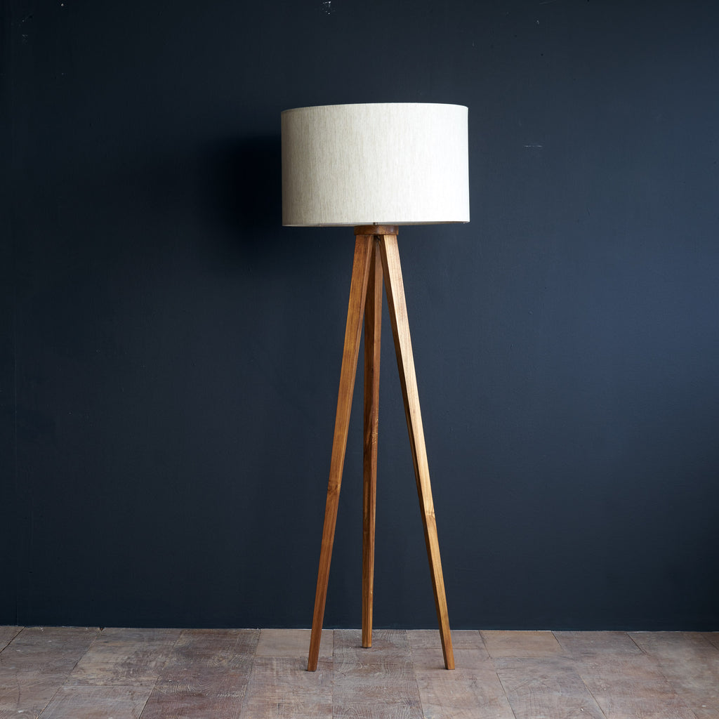 Floor Lamp | Tripod