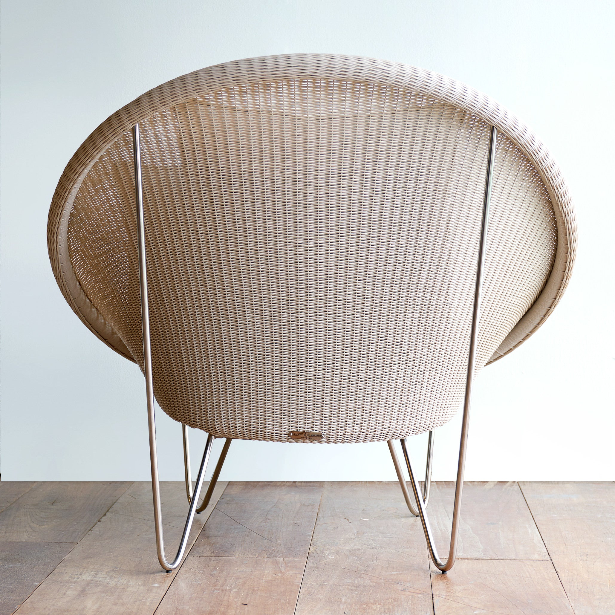 Outdoor Cocoon Chair | Gipsy Old Lace - Cream Cushions