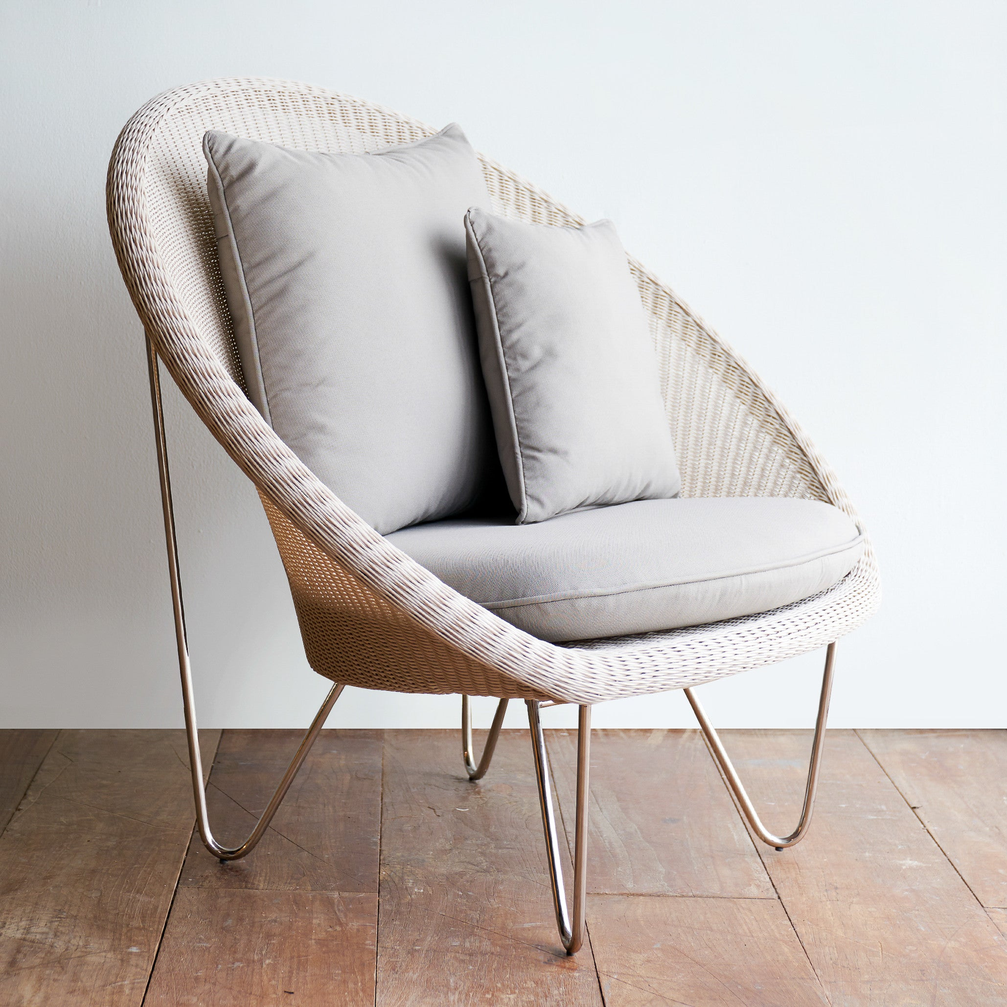 Gipsy Cocoon Chair | Old Lace - Grey Cushions