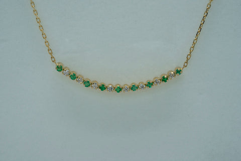Necklace Ophelia on Emerald