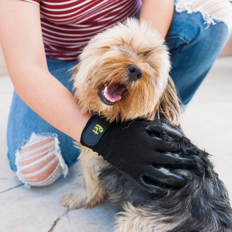 Pet Grooming Gloves – Shedding & Bathing Mitt for Dogs, Cats, Horses & Other Animals with Both Long and Short Fur