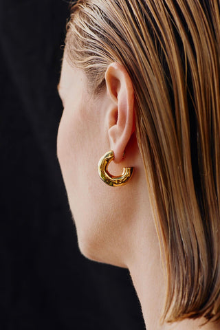 SMALL GIACOMETTI HOOPS