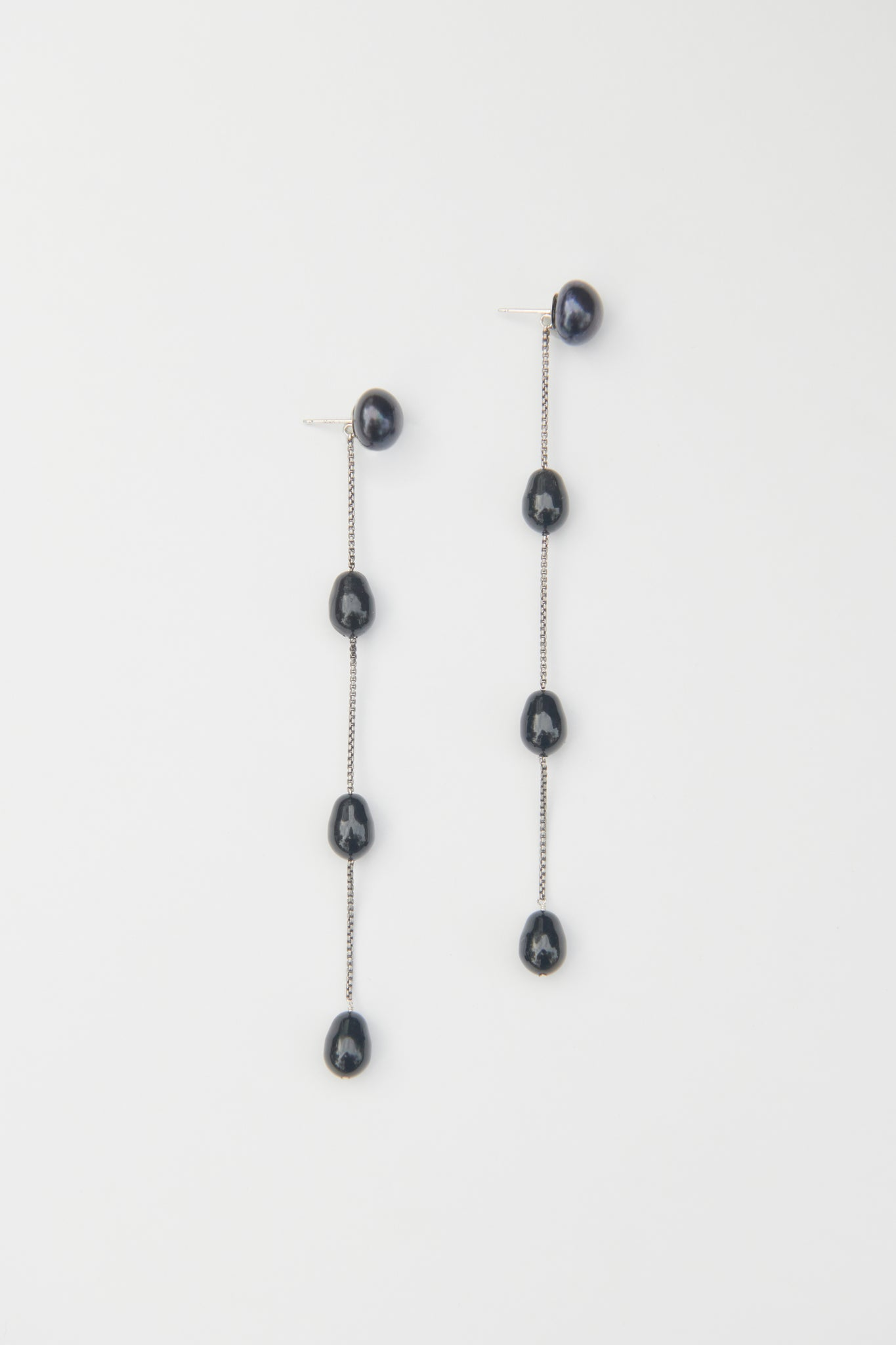 MEDIUM BLACK PEARL DROP EARRINGS