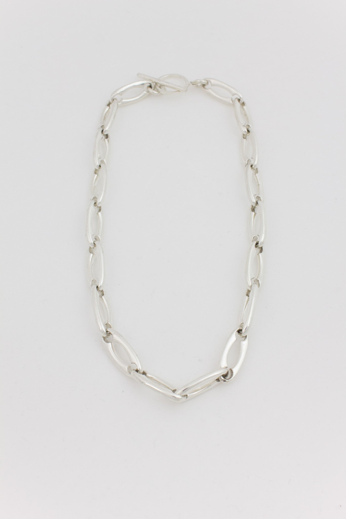 CLASSIC SHORT CHAIN NECKLACE