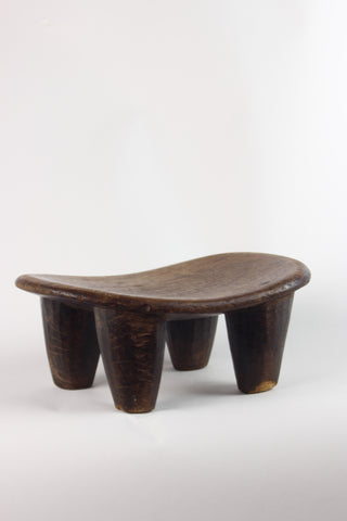 AFRICAN MILKING STOOL