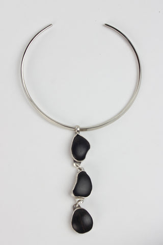 EBONY STONE COLLAR