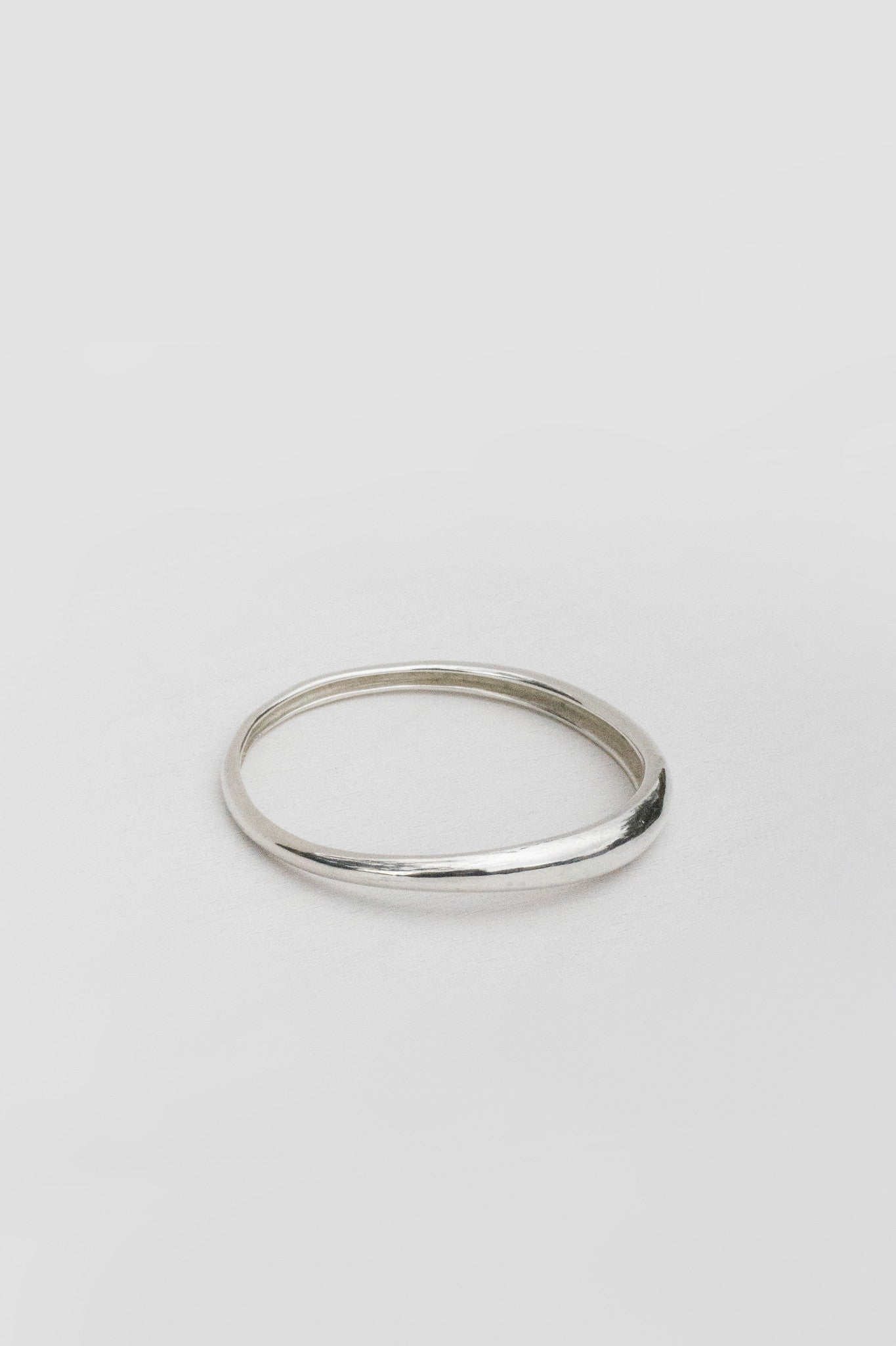 DELICATE AMORPHOUS BANGLE