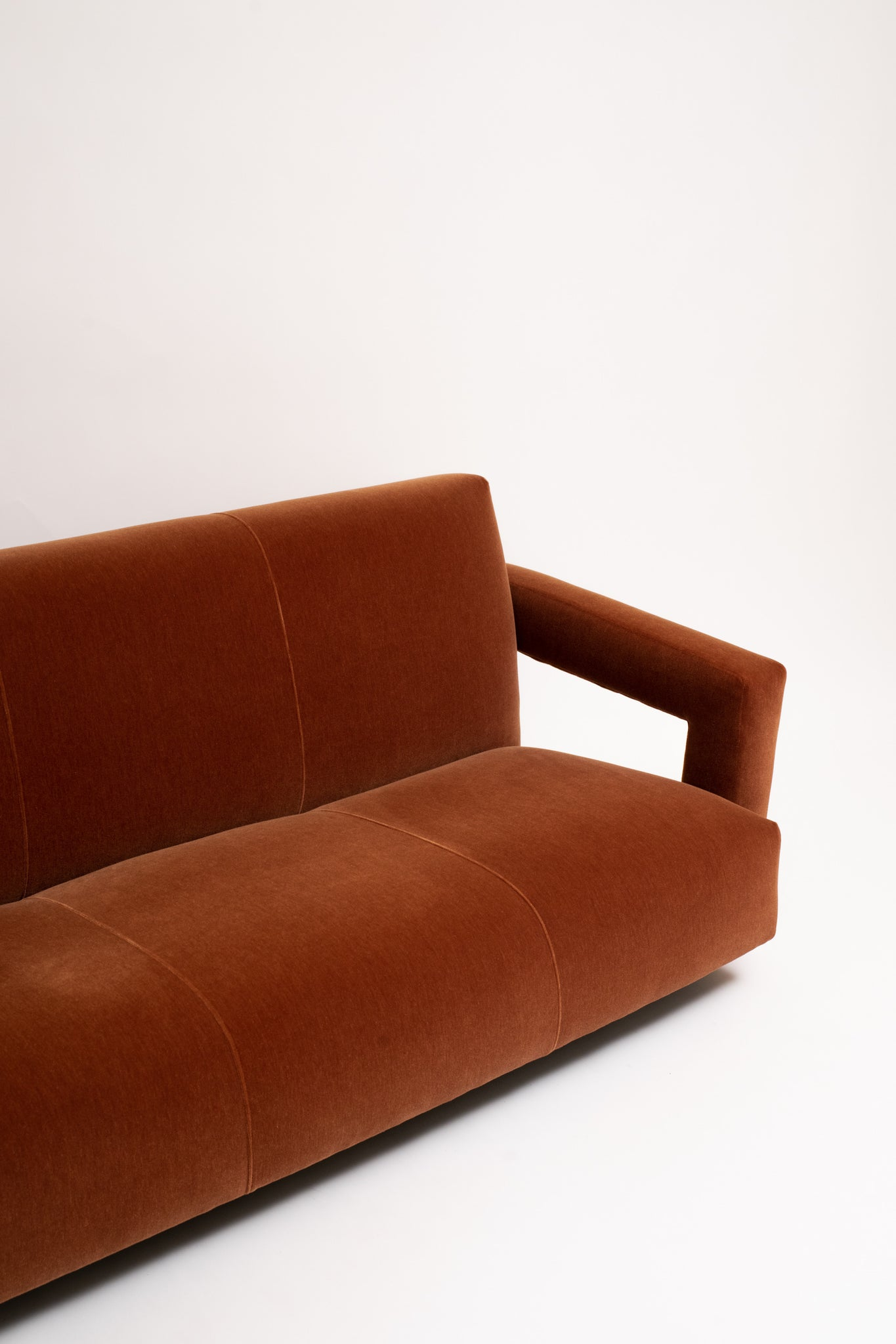 THREE-SEATER SOFA FOR METZ & CO. GERRIT THOMAS RIETVELD, C. 1937