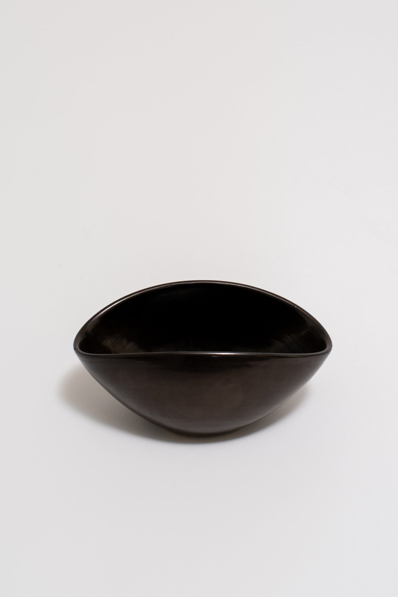 CERAMIC BOWL FOR ATELIER MADOURA. SUZANNE RAMIE, C. 1950
