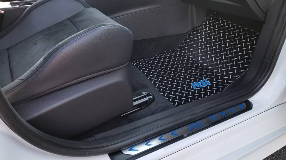 Ford Focus 11-21 RS  Black metal diamond aluminum  floor mats