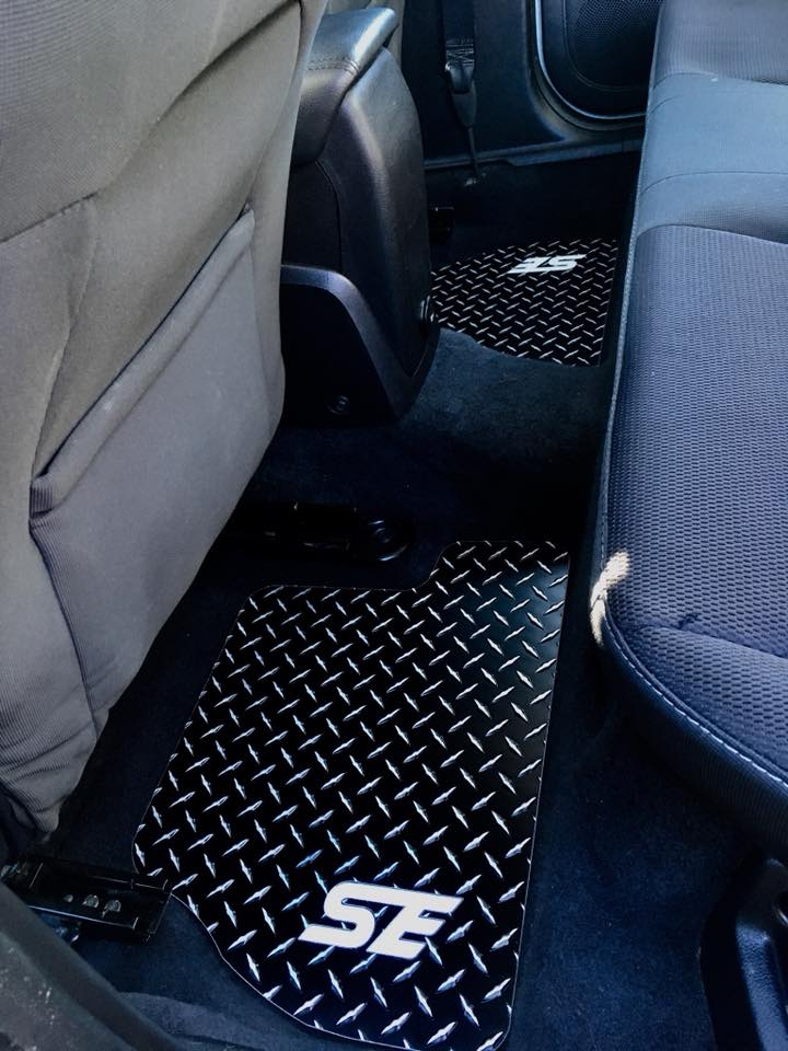 Ford Focus 11-18 SE   Black metal diamond aluminum  floor mats