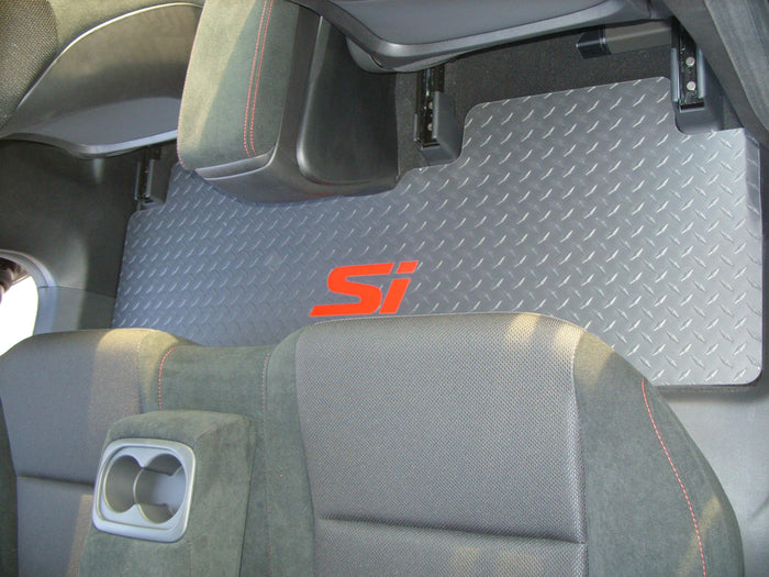Civic SI 06-11 Sedan  aluminum floor mats.  Black with exposed Metal diamonds  Front back