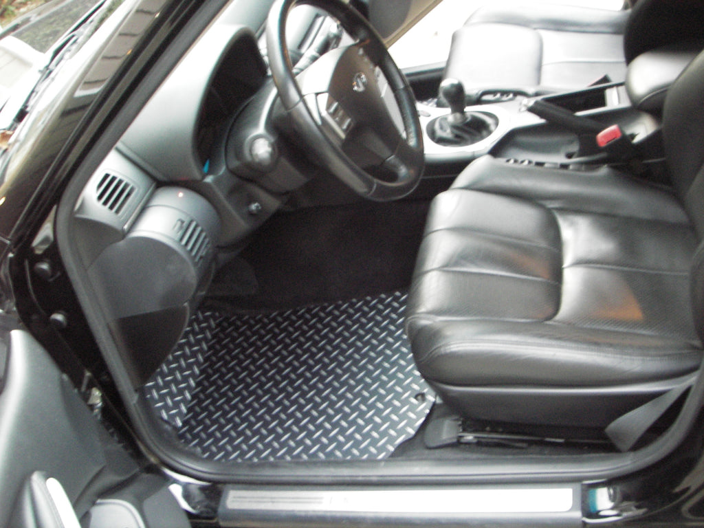 G35 03-06  Sedan Black diamond plate Metal floor mats Front set