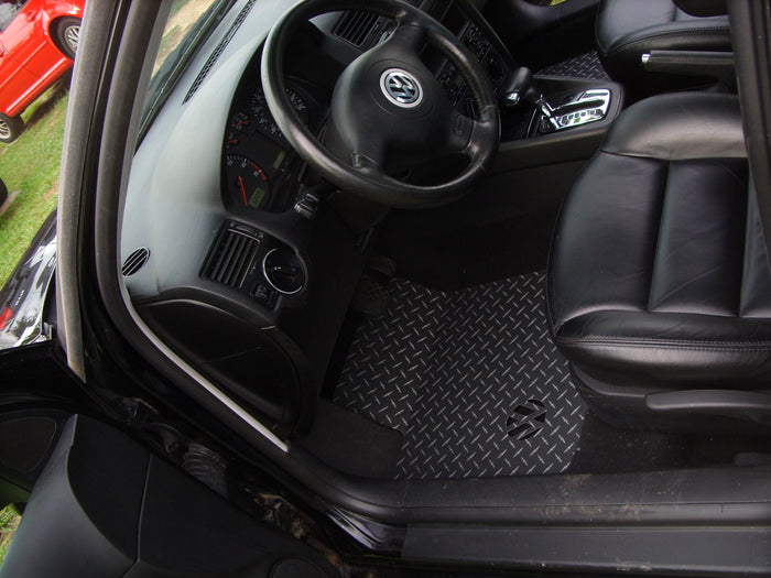 Volkswagen Golf/Jetta (MK4)  99-05 Black Metal diamond aluminum floor mats