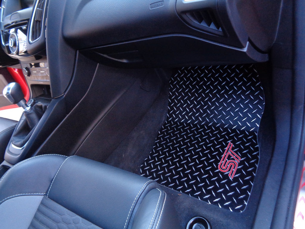 Ford Focus 11-18 ST   Black metal diamond aluminum  floor mats