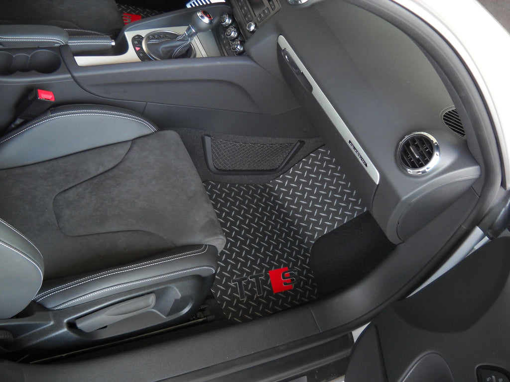 Audi TTS 06-14 | Black Metal diamond mats